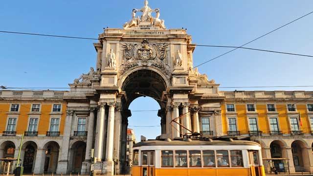 Ver vídeo  'El rescate de Portugal rondará los 80.000 millones y estará listo a mitad de mayo'