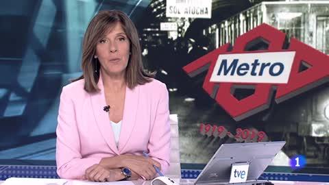 El rey viaja en la línea 1 del Metro de Madrid para conmemorar el centenario de la compañía