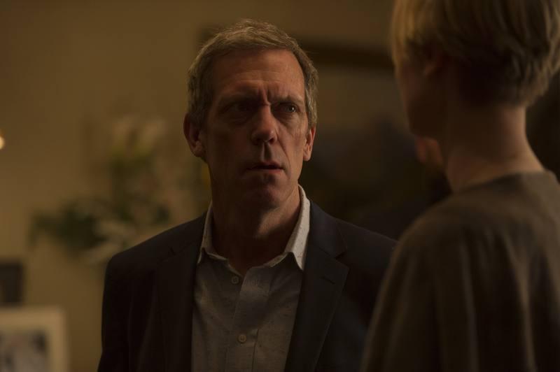 Richard Roper (Hugh Laurie) esconde a un hombre malvado, tras su fachada de hombre elegante y de buena familia