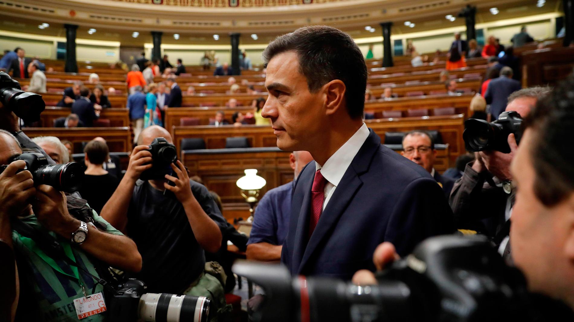 Rivera duda de la tesis doctoral de Sánchez tras la dimisión de Montón
