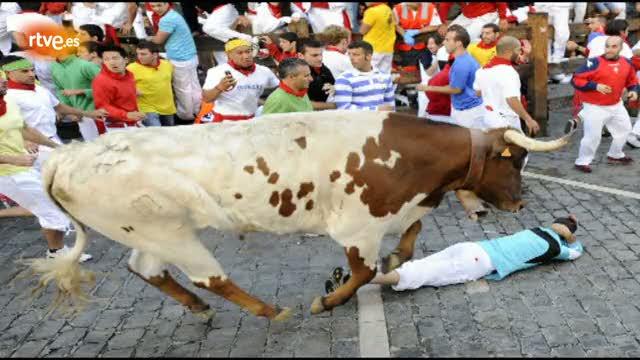 RNE te narra el sexto encierro de San Fermín 2012 en imágenes
