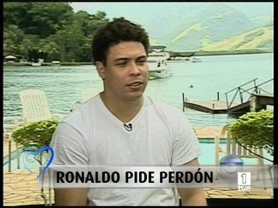 Ronaldo niega ser homosexual y consumir drogas en la televisión brasileña