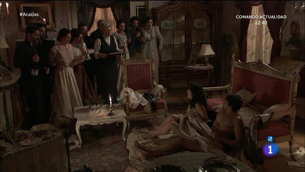 Acacias 38 - ¡Rosina y Liberto pillados en paños menores!