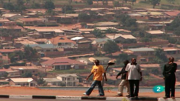 Otros pueblos - Ruanda, tras los machetes