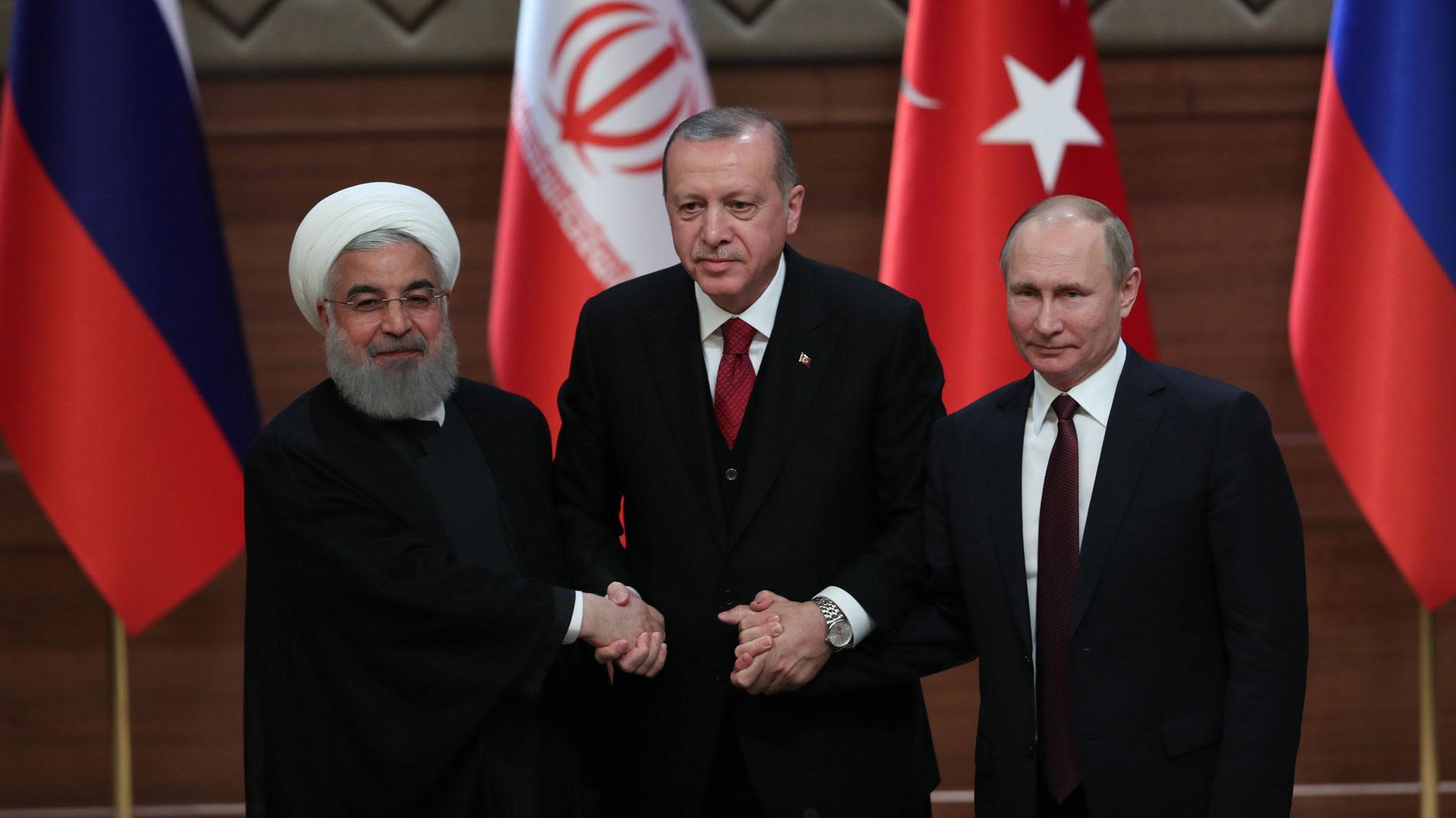 Rusia, Turquía e Irán omiten diferencias y planean una paz conjunta en Siria