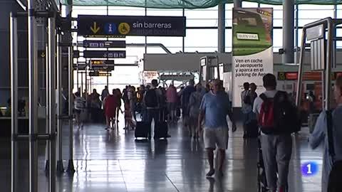Ryanair cancela este viernes 83 vuelos con origen o destino en España