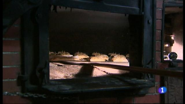 A Sa Pobla, avui, en els forns i també a les cases particulars es preparen les espinagades.