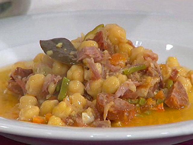 saber cocinar cocido con codillo y verduras a la
