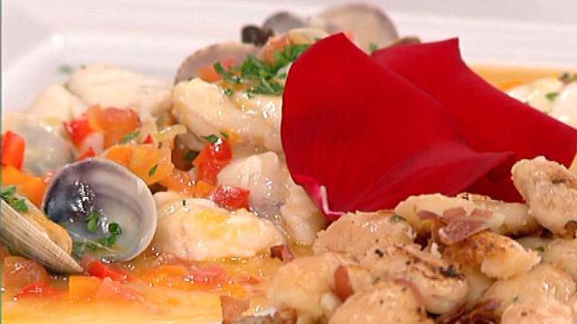 Judiones en salsa con rape y almejas 18 07 11 for Como cocinar almejas