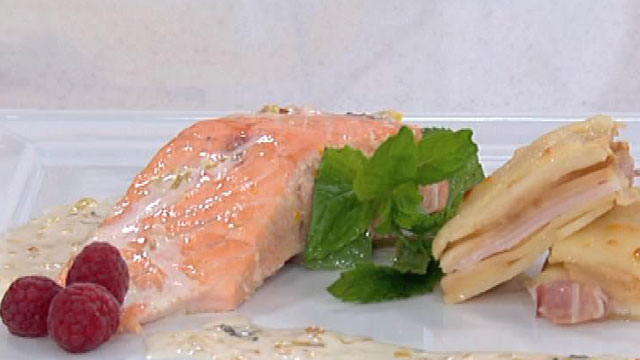 Receta de salm n con salsa blanca de manzana for Cocinar salmon