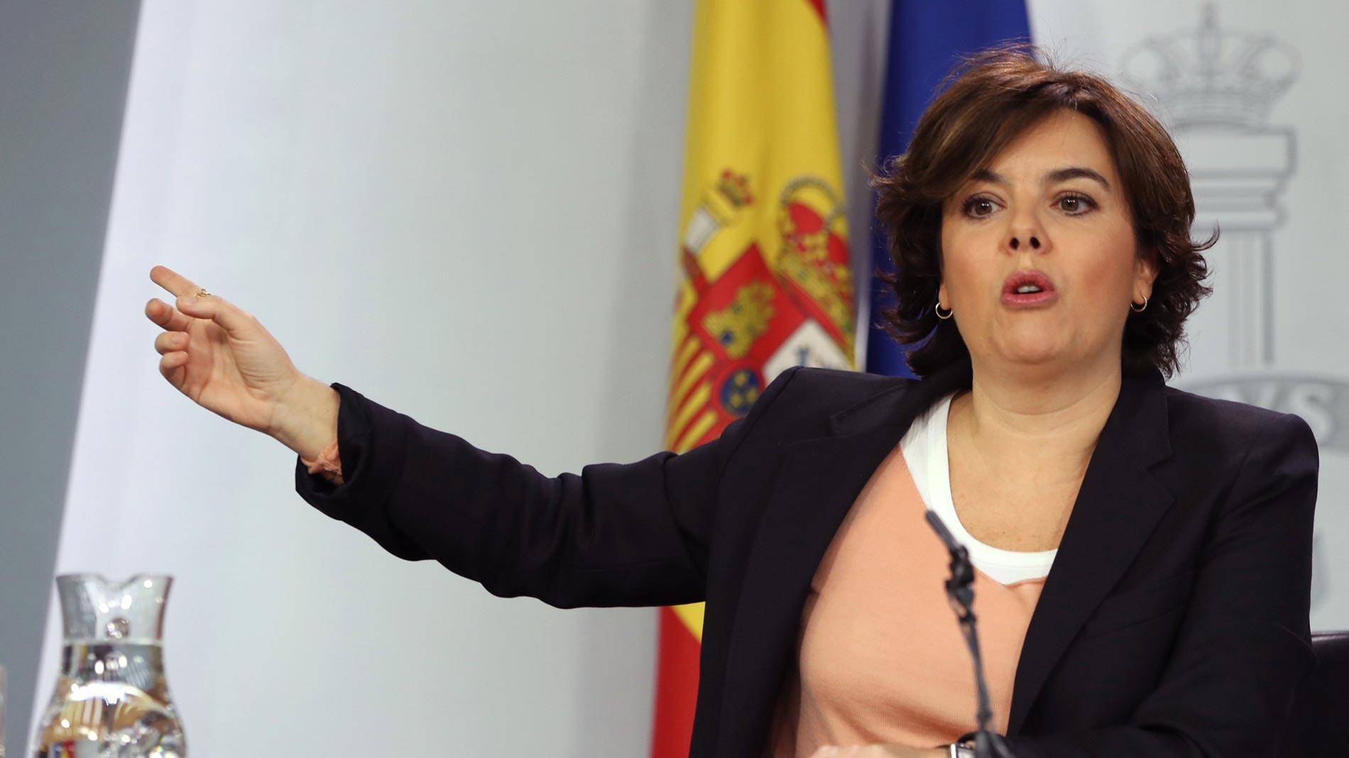 """Sáenz de Santamaría: """"Los independentistas pueden protestar en Bruselas por su DNI español"""""""