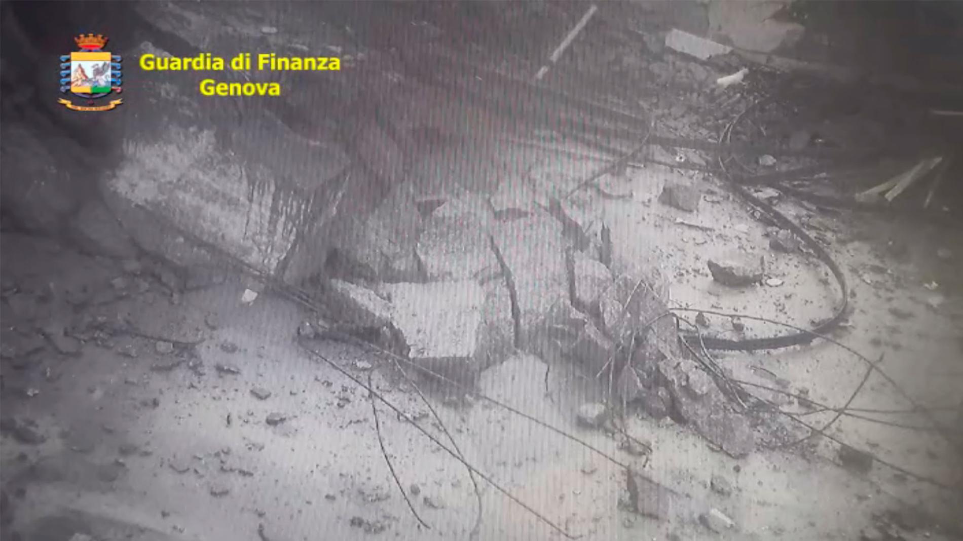 Salen a la luz nuevas imágenes de derrumbe del puente Morandi