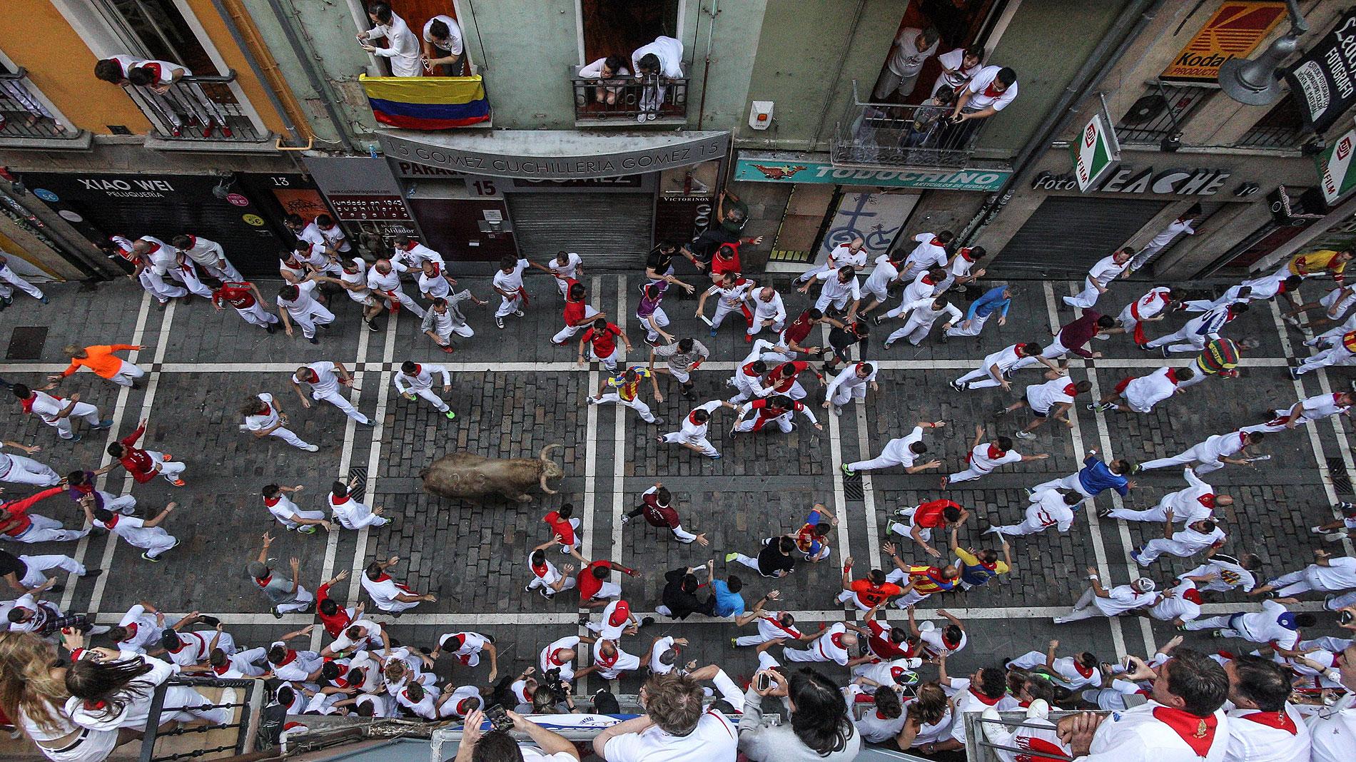 San Fermín | Decenas de corredores se estrenan en los encierros