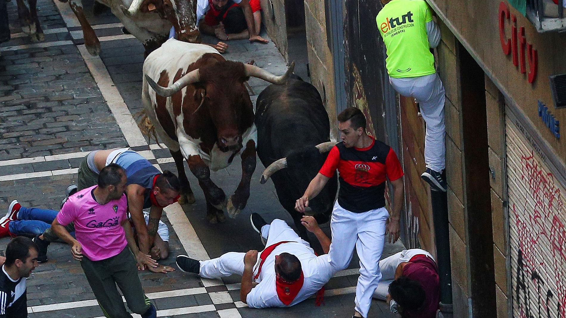San Fermín | Quinto encierro accidentado con numerosas caídas