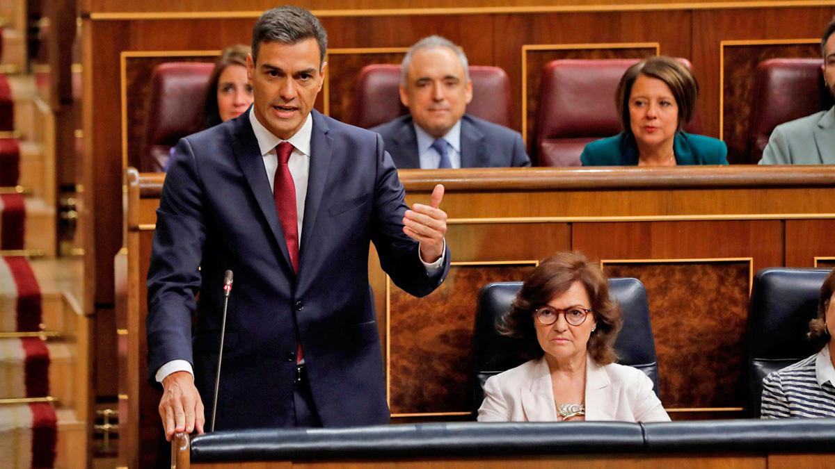 """Sanchez alaba la """"ejemplaridad"""" de Montón por su dimisión y Rivera le pide que publique su tesis"""