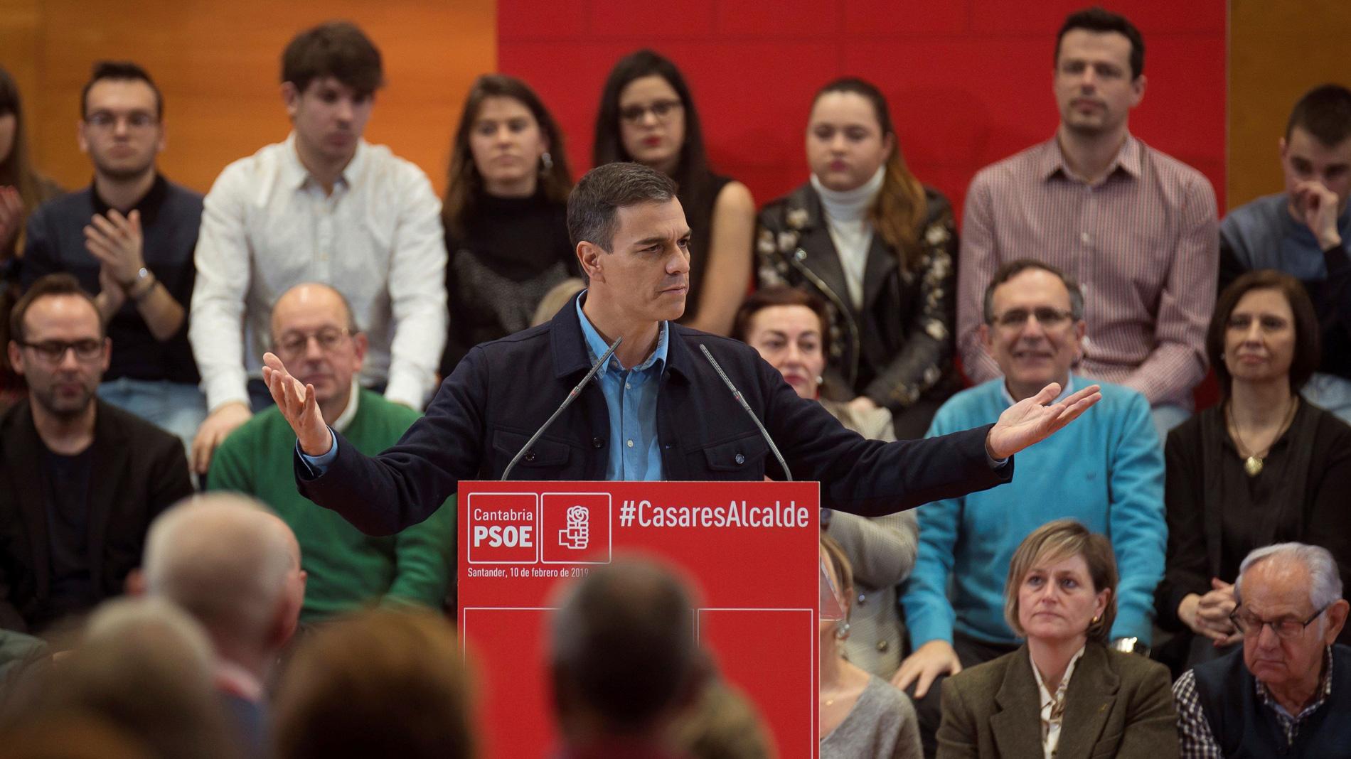 """Sánchez asegura que el Gobierno trabaja """"para unir a los españoles, no para enfrentarlos como están haciendo las derechas"""""""