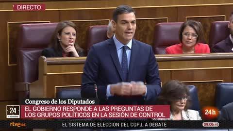 """Sánchez, a Casado: """"A su lado, Rajoy es un moderado y más serio"""""""