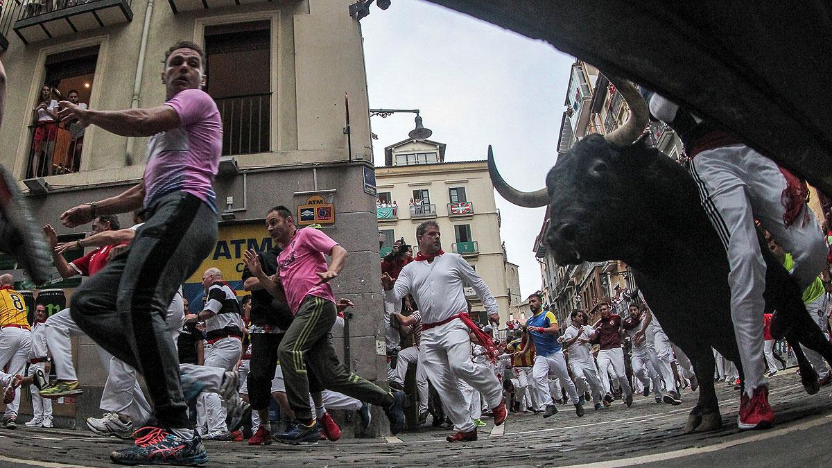 Sanfermines | Los fotógrafos buscan la mejor perspectiva de San Fermín