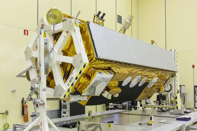 El satélite Paz mide unos cinco metros y pesa 1.400 kilos