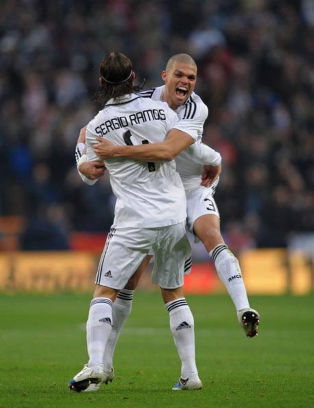 Sergio Ramos y Pepe seguirán en el Real Madrid seis y cinco temporadas más, respectivamente.