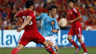 Silva marca el único gol del partido y rescata a España