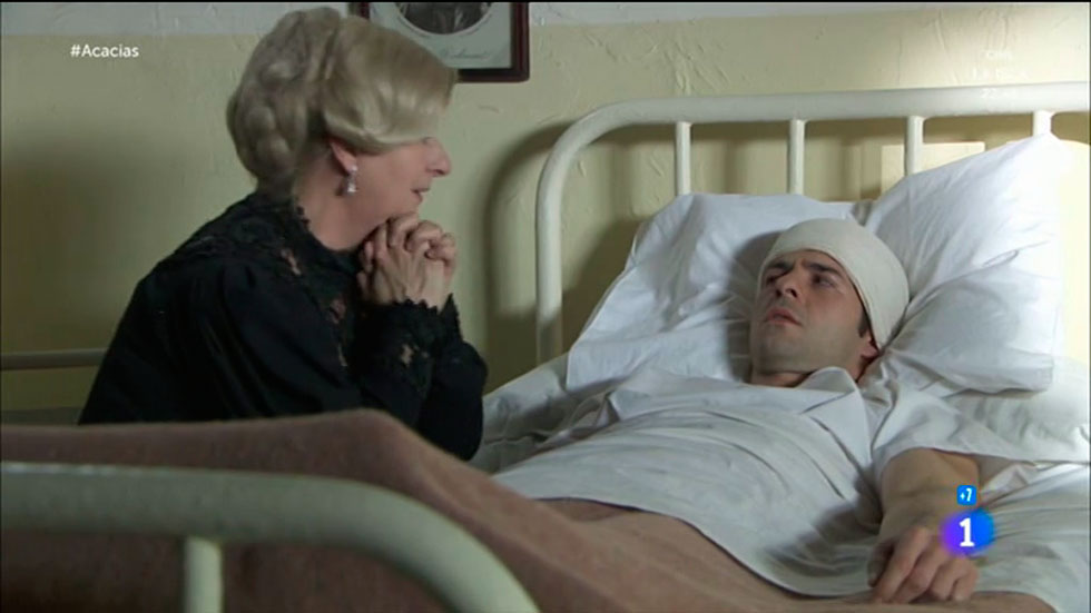Acacias 38 - Simón despierta y Susana pide perdón a su hijo