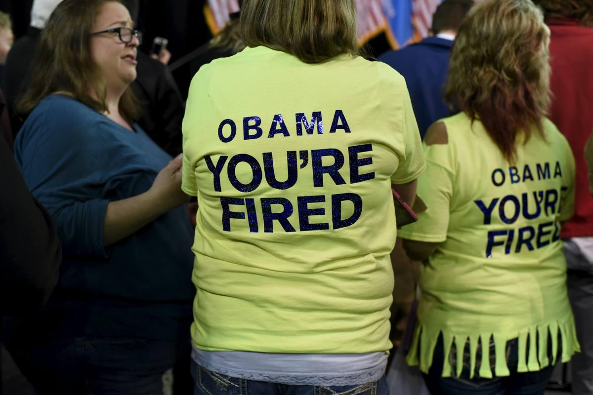 Simpatizantes de Trump justo antes de su mitines en Tulsa, Oklahoma; en las camisetas se puede leer: