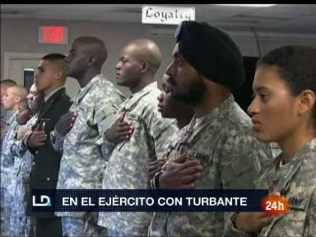 Simran Lamba , el primer soldado con turbante en el ejército de EE.UU.