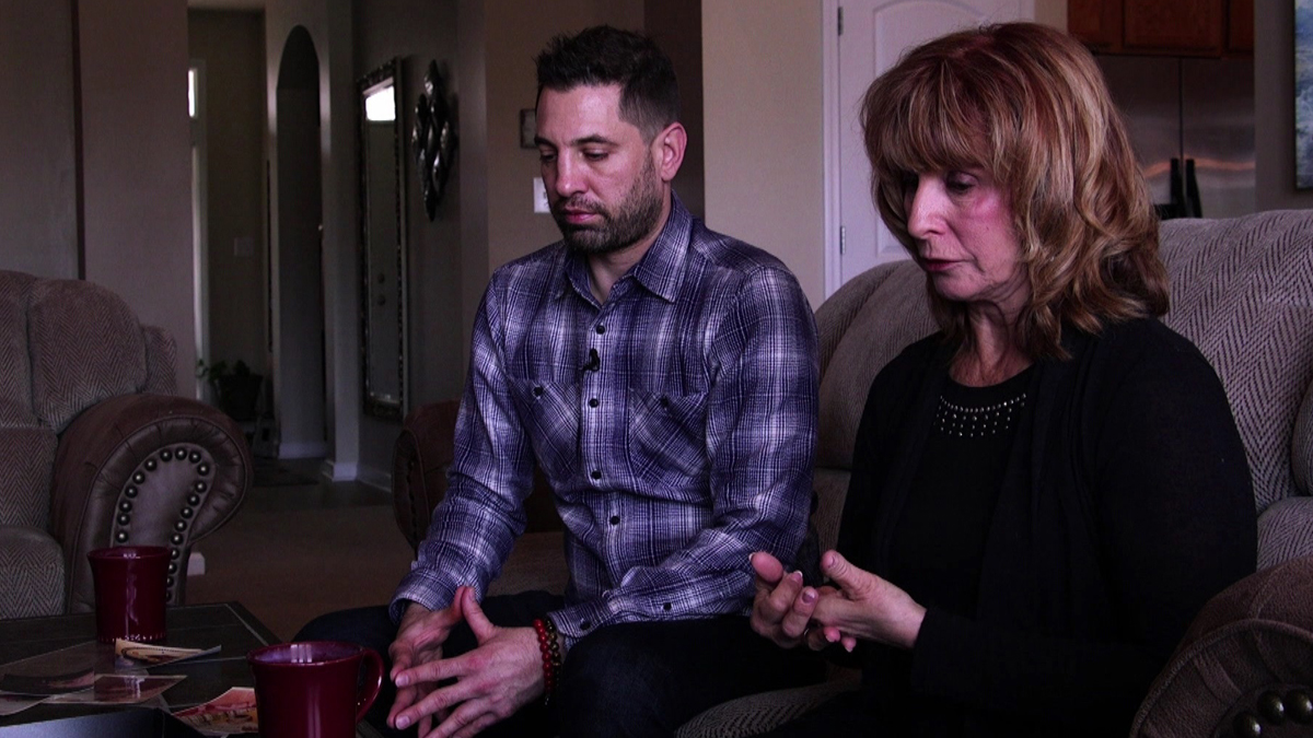 Documentos TV - Sólo Dios puede curar - Avance