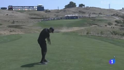 Stephen Curry hace sus pinitos en golf
