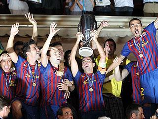 El Barça derrota al Oporto 2-0 y levanta la Supercopa
