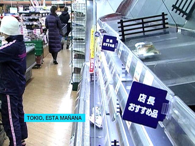 Supermercados vacíos en Tokio tras el tsunami