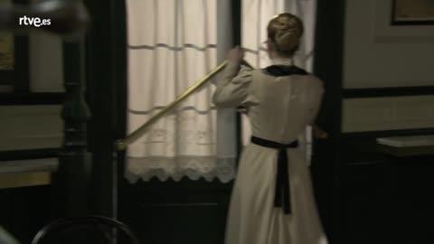 Acacias 38 - Susana reprocha a Flora su comportamiento con Paquito
