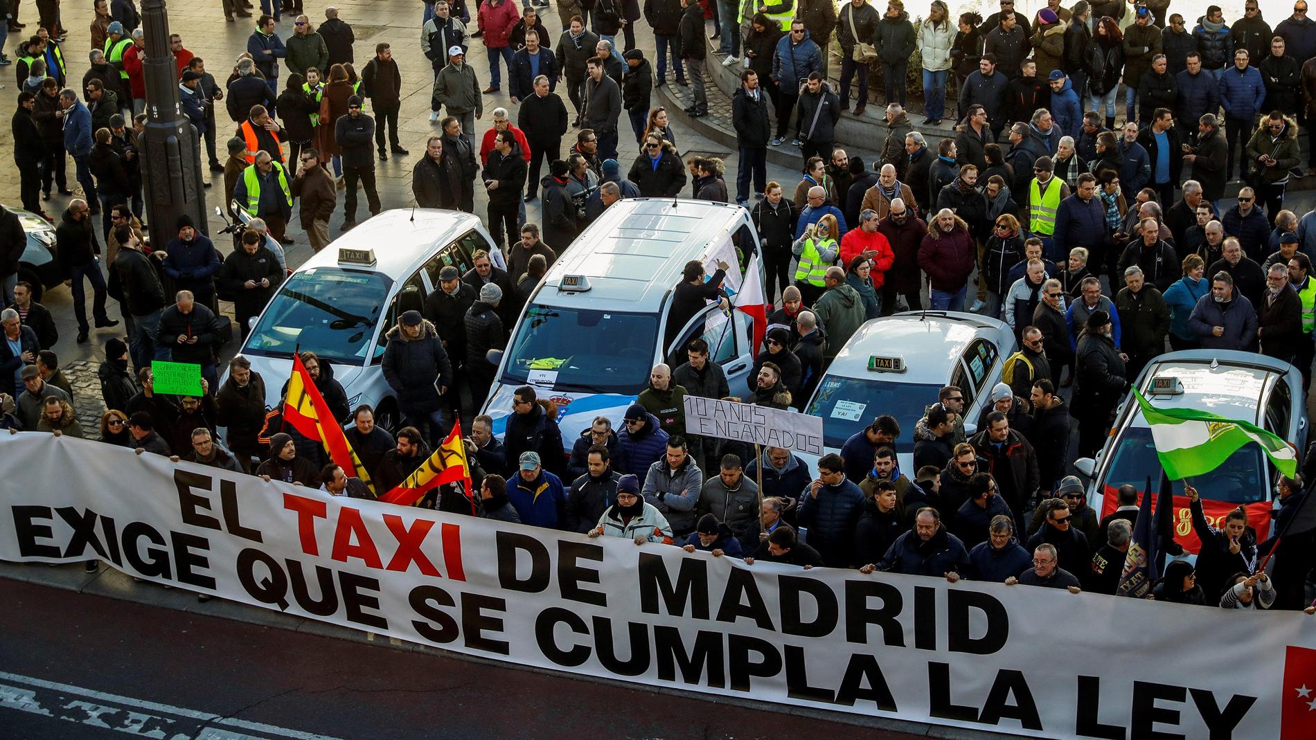 """Los taxistas de Madrid mantienen la huelga tras una reunión """"decepcionante"""""""