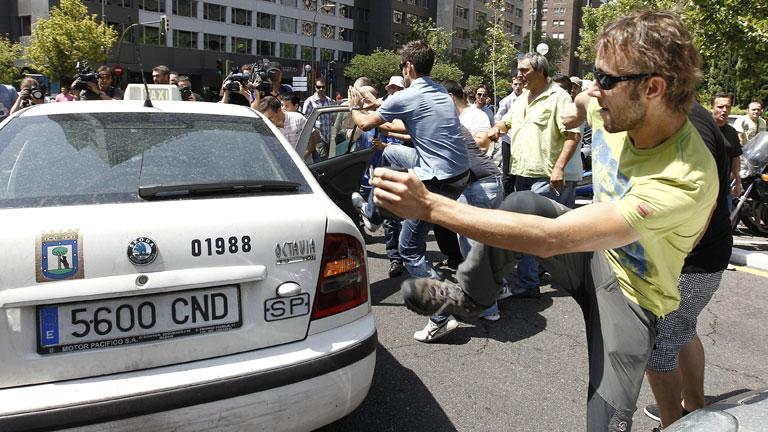 Los taxistas se han manifestado esta mañana en Madrid contra la liberalización del sector