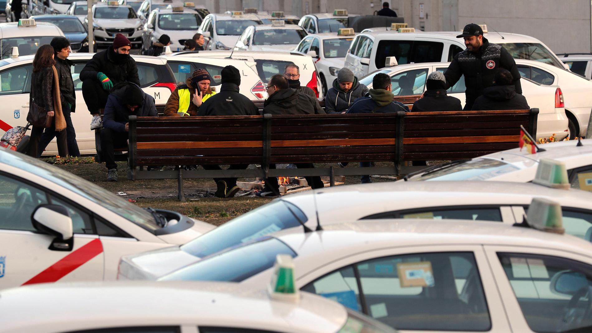 Los taxistas se plantean intensificar las protestas