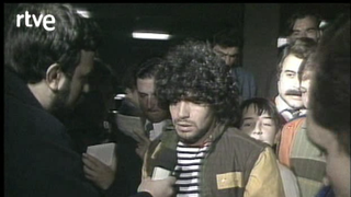Teledeporte - Maradona vuelve a España tras su lesión