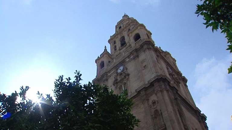 Temperaturas altas en Murcia y viento fuerte en Canarias