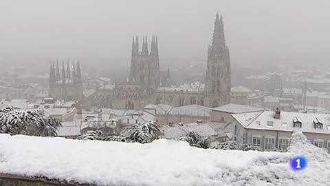 El temporal de nieve complica la circulación de las carreteras por todo el país