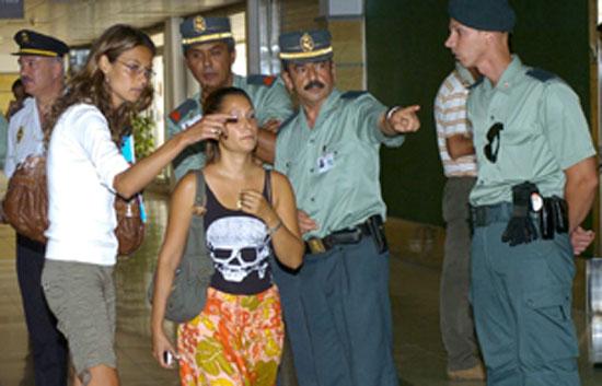 En el aeropuerto de Gran Canaria familiares de los pasajeros están siendo atendidos por psicológos