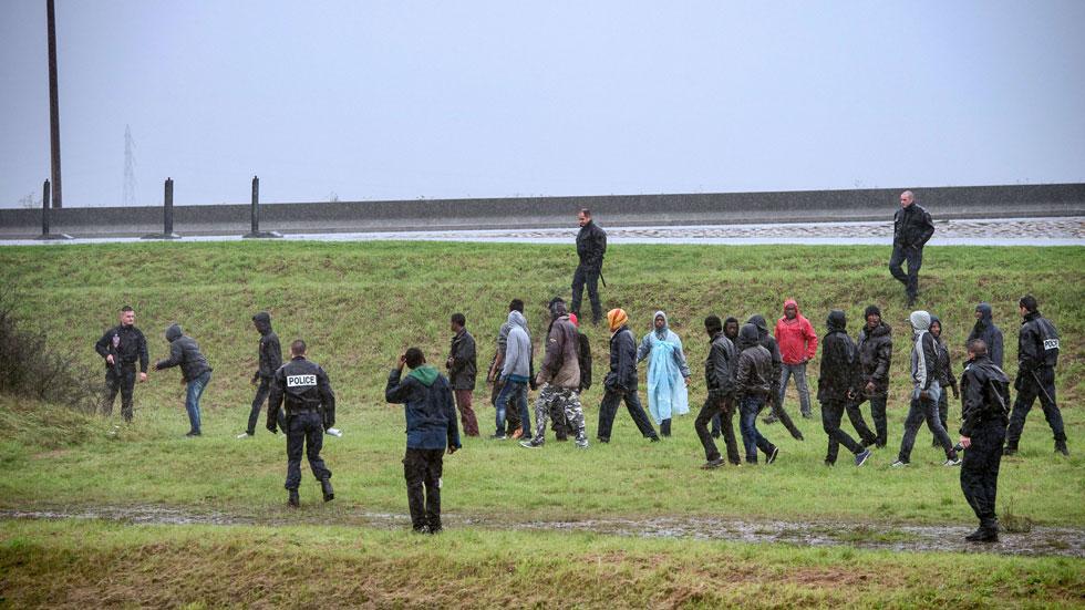 Crece la tensión en el paso de Calais por los intentos de los clandestinos de cruzar el Canal