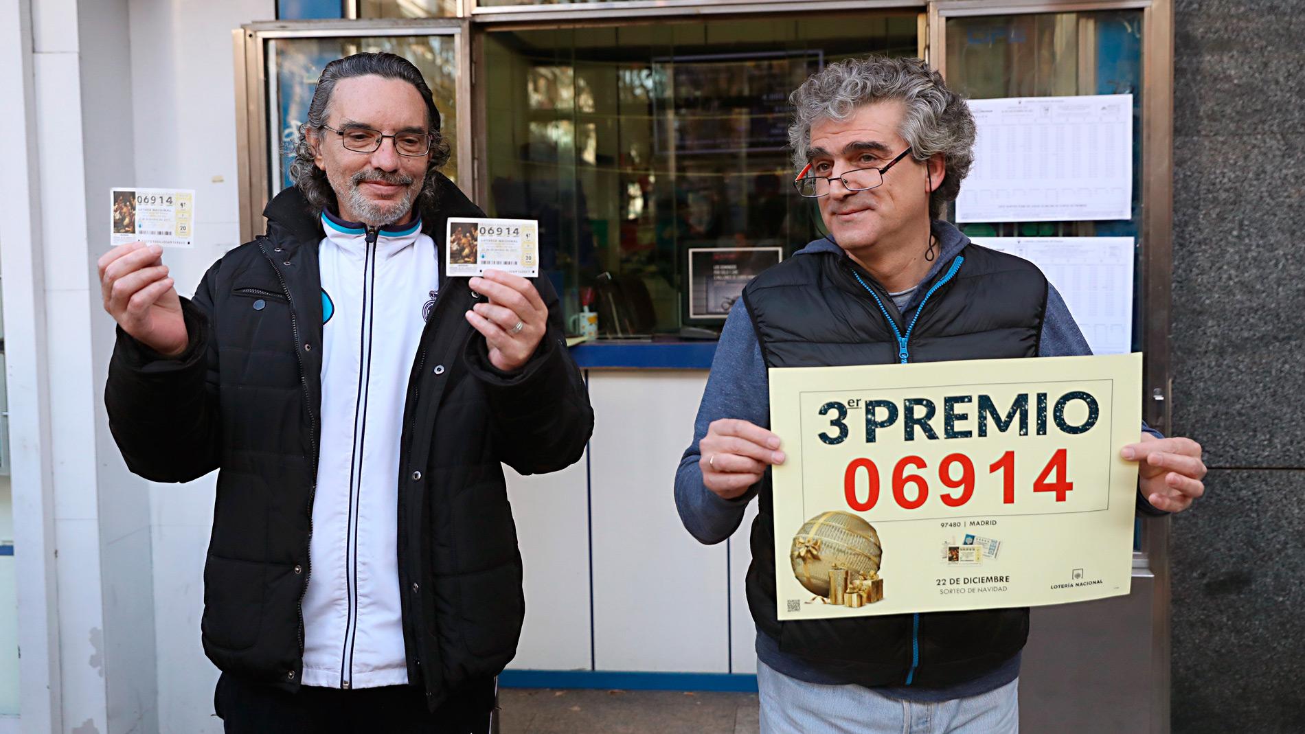 El tercer premio de la Lotería de Navidad, el 06.914, ha sido el que antes ha salido