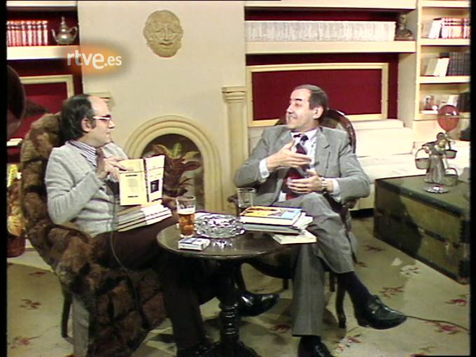 Arxiu TVE Catalunya -  Terenci Moix entrevista Emili Teixidor. 1981