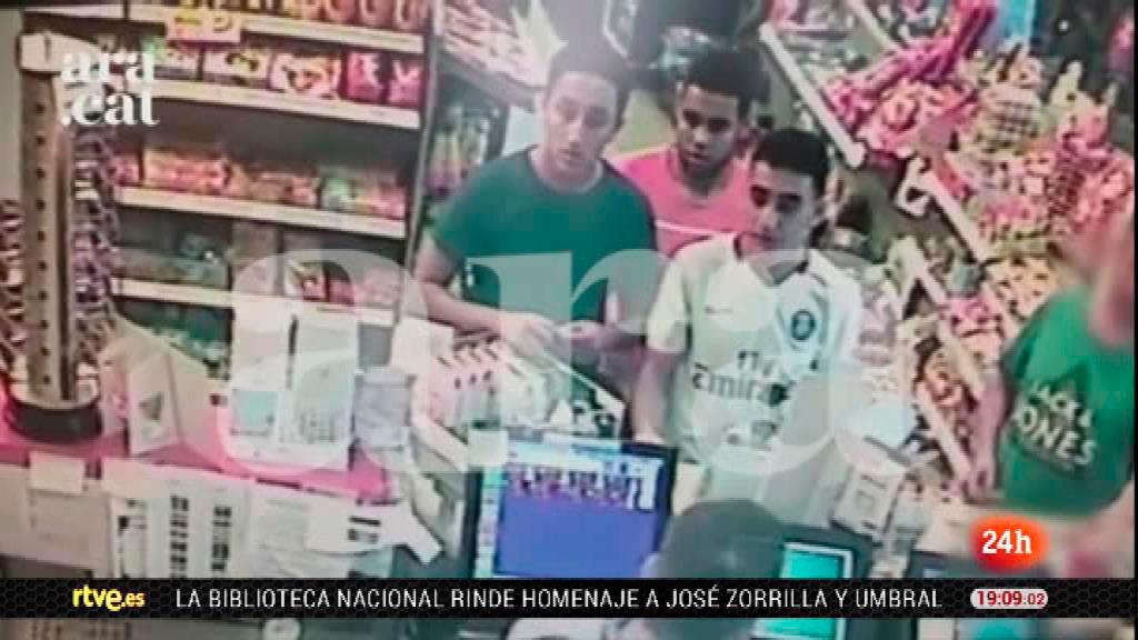 Los terroristas de Cambrils, captados por las cámaras de un área de servicio horas antes de atentar