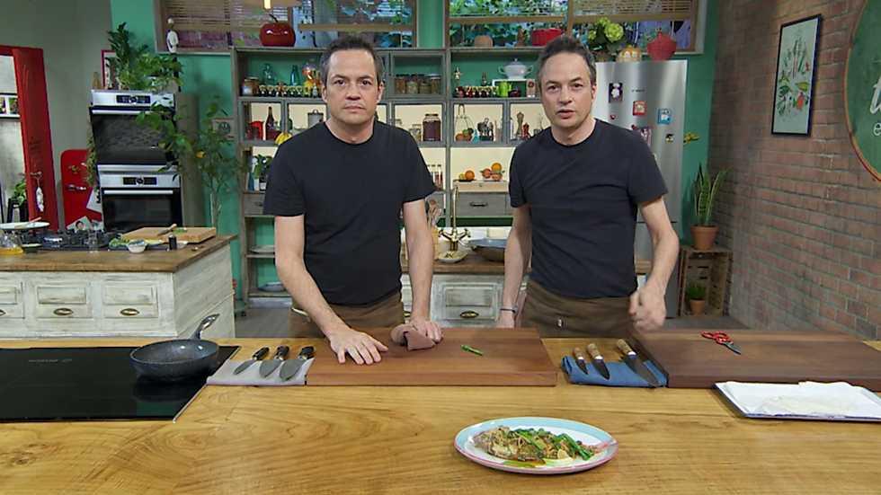 Torres en la cocina - Tomates rellenos y pescado picante