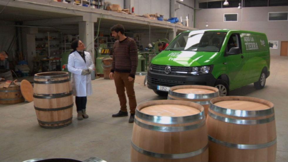 Aquí la tierra - Toneles de vino reciclados