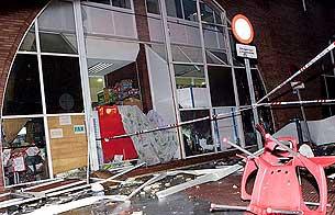 Un pequeño tornado causa destrozos en Málaga y Estepona