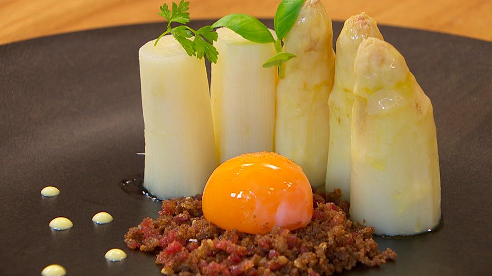 Receta de yema de huevo curada for Cocinar yema de huevo