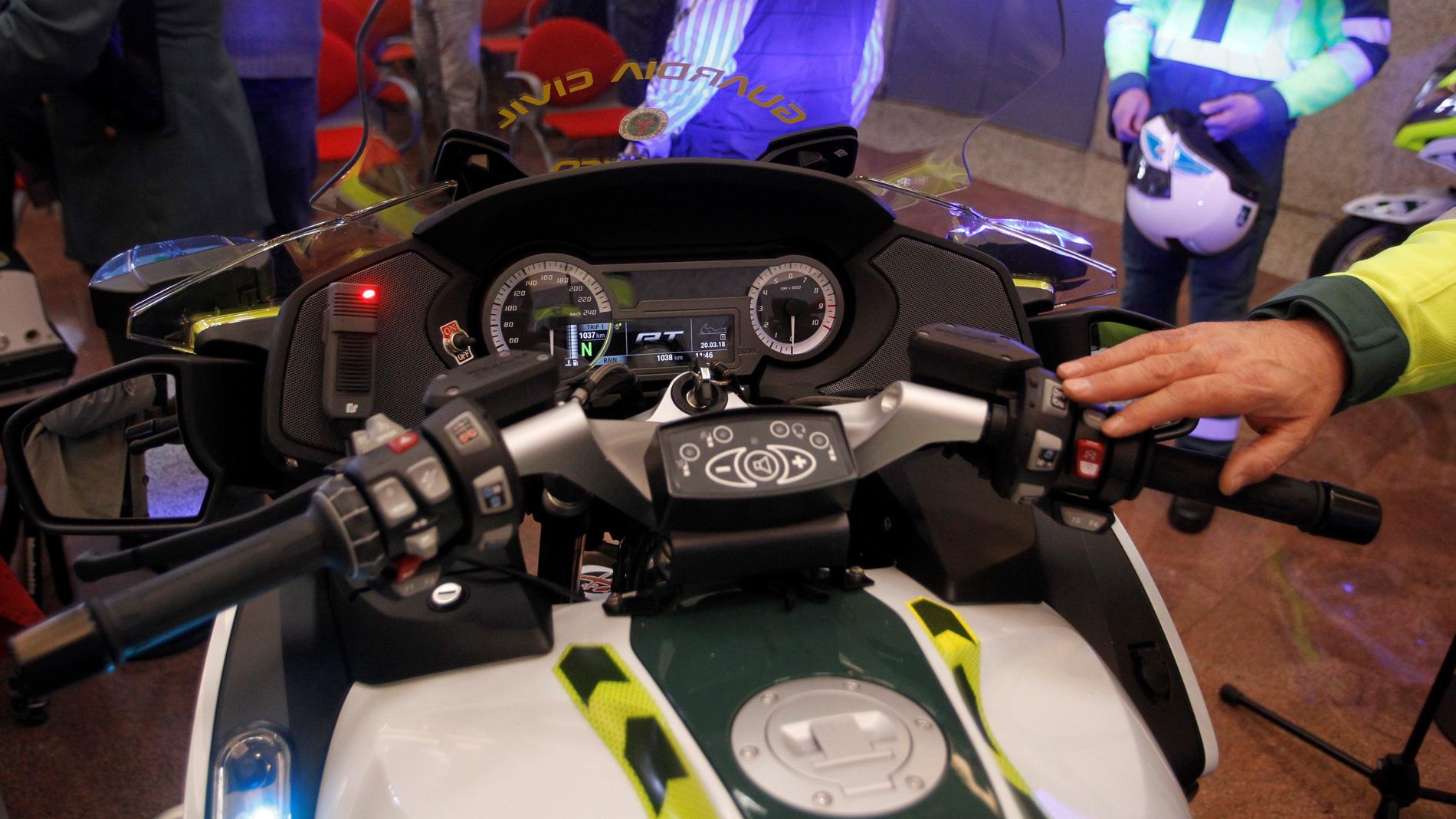 Tráfico usará minirradares en las motos para controlar la velocidad en Semana Santa