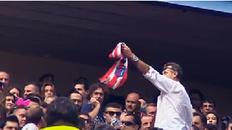 La tragedia en el fútbol español silenció el Calderón